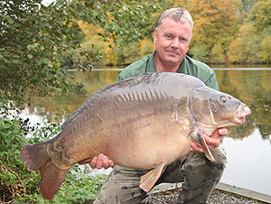 Colin Bunn with a 55lb 4oz mirror