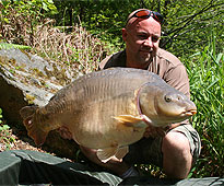 Leon with a cracking mirror